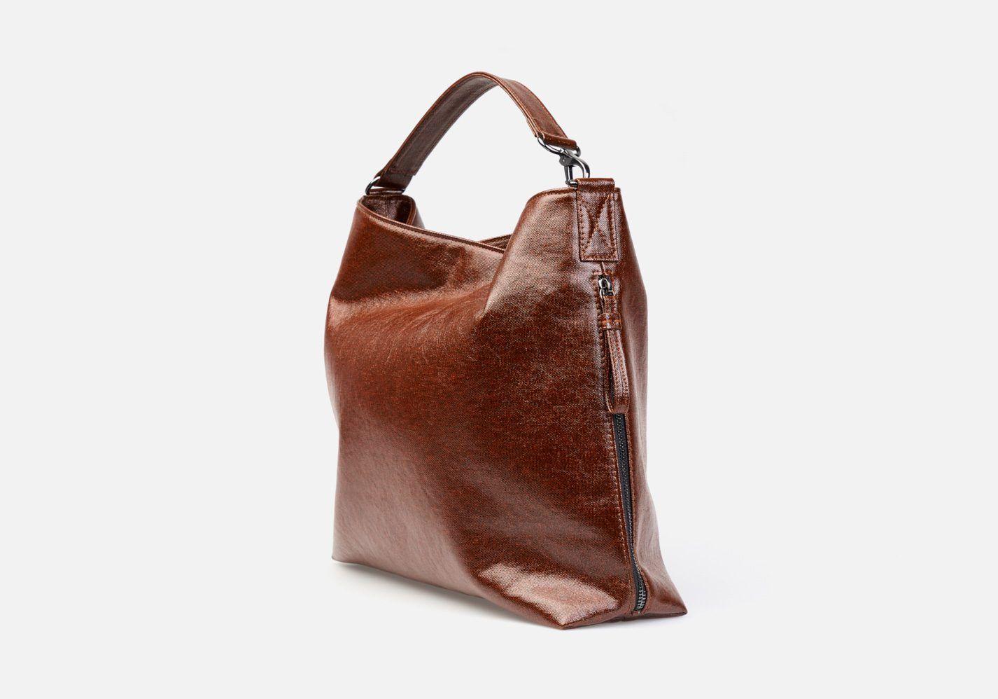 Bolso en tejido laminado con aspecto metalizado – Frontal modelo Beethoven en color vicuña
